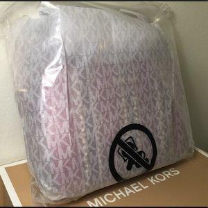 af5faba96da747 Michael Kors Bags - NWT MICHAEL KORS Ginny Medium MixedMedia Crossbody